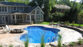 Pool with Outside Bar