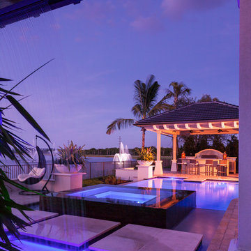 Pool with Wet Bar