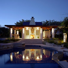 Pool by CG&S Design-Build