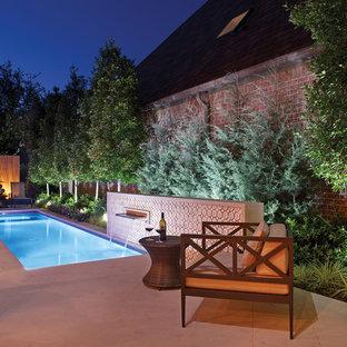 Foto de piscina clásica renovada rectangular