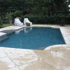 Traditional Pool by Mid-American Gunite Pools