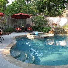 Traditional Pool by Prewett, Read & Associates