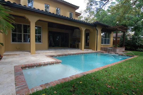 Tropical Pool by Tropical Pools