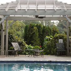 Traditional Pool by Pine Street Carpenters & The Kitchen Studio