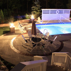 Traditional Pool by KD Poolscapes
