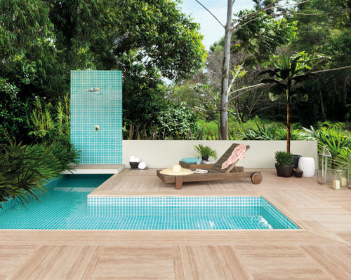Contemporary outdoor design ideas renovations photos with an outdoor shower for Portobello outdoor swimming pool