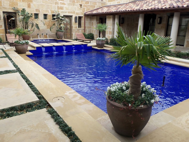 Mediterranean Pool by Archiverde Landscape Architecture