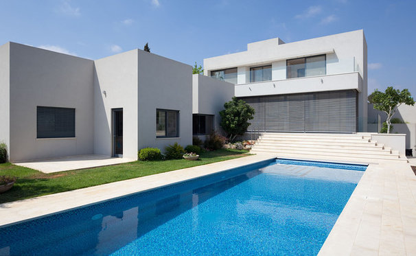 Modern Pool by Polly