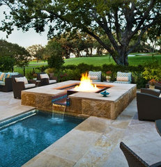 mediterranean pool by Pool Environments, Inc.