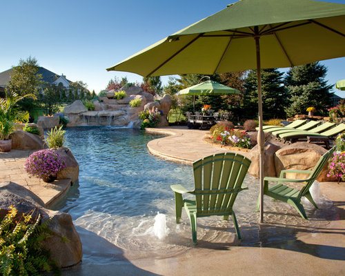 Kolonialstil pool ideen swimming pool design houzz for Pool design houzz