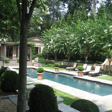 Traditional Pool by Hooten Land Design, Inc.