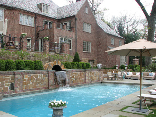 Traditional Pool by GreenCraft Associates