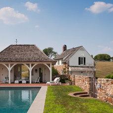 Farmhouse Pool by E. B. Mahoney Builders, Inc.
