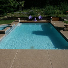 Traditional Pool by Lang Pools Inc.