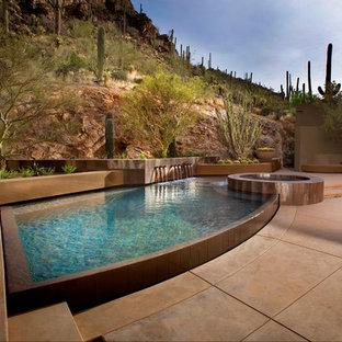 フェニックスのオーダーメイドサンタフェスタイルのおしゃれなプール (噴水) の写真
