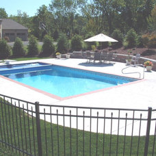 Traditional Pool by Del Suppo Inc. Swimming Pools & Spas