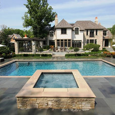 Traditional Pool by Rosebrook Pools, Inc.