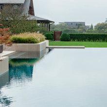 LaGuardia Design Pools
