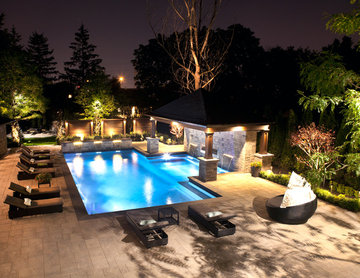Relaxed Backyard Resort