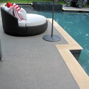 Idées déco pour une piscine hors-sol craftsman de taille moyenne et sur mesure.