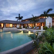 Tropical Pool by Humberto Artigas Arquitectos