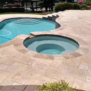 Immagine di una piscina