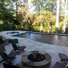 Transitional Pool by Aloha Pools, Inc.