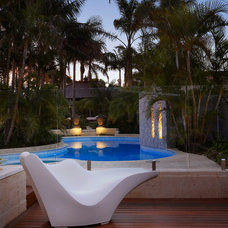 Tropical Pool by Mondo Landscapes