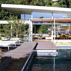 Modern Pool by RIOS CLEMENTI HALE STUDIOS