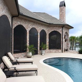 Modelo de piscina exótica tipo riñón
