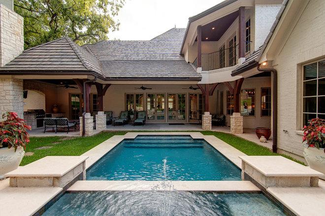 Traditional Pool by Glendarroch Homes