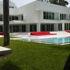 Modern Pool by Nerak C0. Landscaping