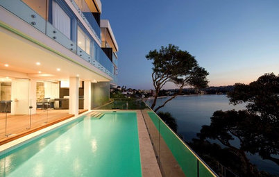 12 Mouth-Watering Homes Overlooking the Water