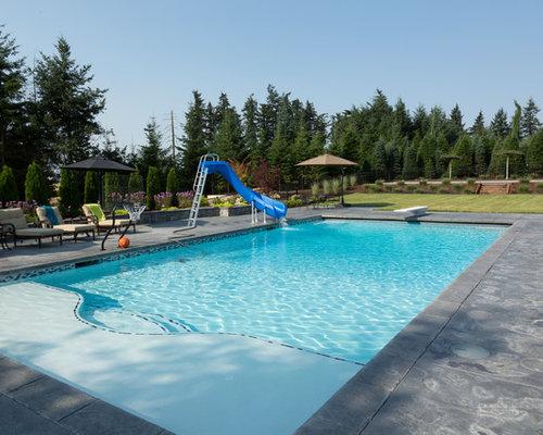 Fotos de piscinas dise os de piscinas con tobog n con - Losas para piscinas ...