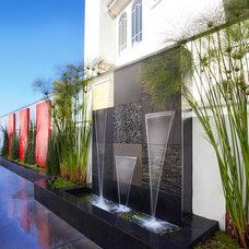 Modern Landscape by Dupuis Design