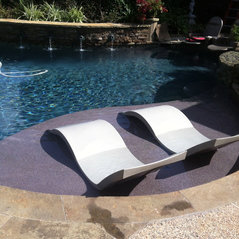 Ledge Lounger In Pool Furniture