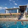 Houzz Tour: A Luxurious Home Embraces the Landscape