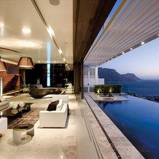 Modern Pool by SAOTA - Stefan Antoni Olmesdahl Truen Architects
