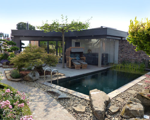 Pool mit poolhaus ideen design bilder houzz for Moderner schwimmteich