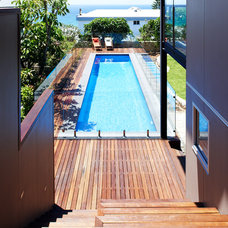 Contemporary Pool by Mackenzie Pronk Architects