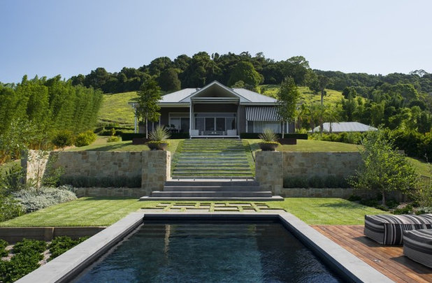 Contemporary Pool by AILDM