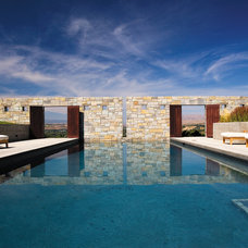 Contemporary Pool by Stuart Silk Architects | Limited PS