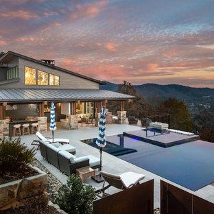 Modelo de piscinas y jacuzzis infinitos, vintage, grandes, rectangulares, en patio trasero
