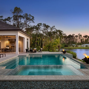 Signature   Baywood: Transitional yet luxurious home design with generous layout