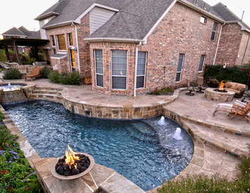 Simply Geo Pool in Small Yard