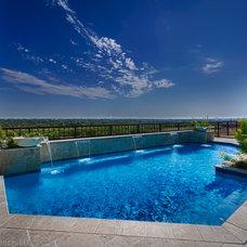 Contemporary Pool by Glendarroch Homes