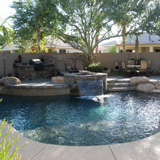 Contemporary Pool by In2it Studio, LLC