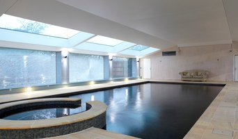 Spa and swimming pool with unique lighting