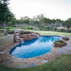 Traditional Pool by Cascade Custom Pools