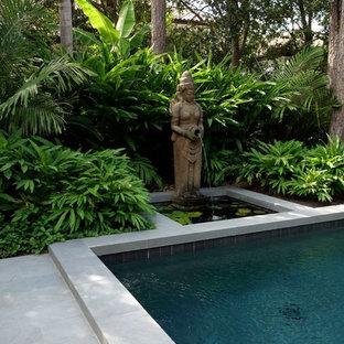 ヒューストンの長方形アジアンスタイルのおしゃれなプールの写真